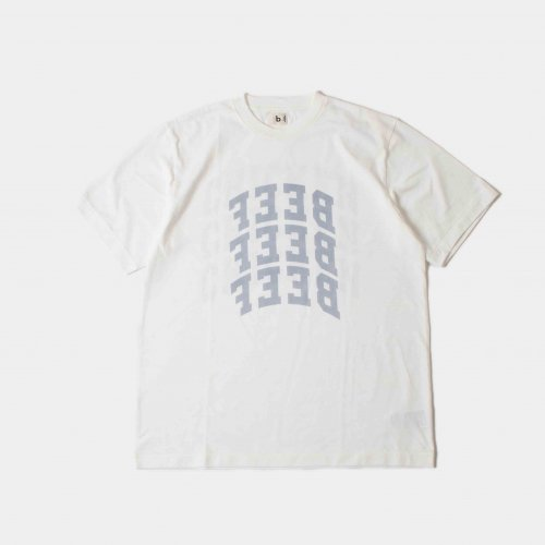 <img class='new_mark_img1' src='https://img.shop-pro.jp/img/new/icons6.gif' style='border:none;display:inline;margin:0px;padding:0px;width:auto;' />blurhms / BEEF or CHICKEN Tee 「White」