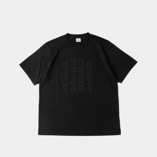 <img class='new_mark_img1' src='https://img.shop-pro.jp/img/new/icons6.gif' style='border:none;display:inline;margin:0px;padding:0px;width:auto;' />blurhms / BEEF or CHICKEN Tee 「Ink Black」