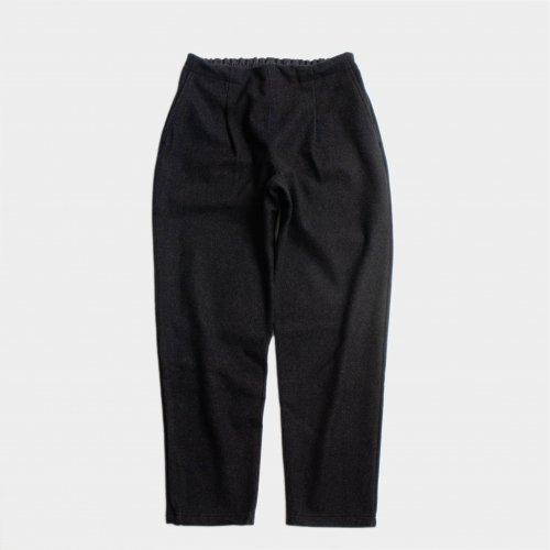 <img class='new_mark_img1' src='https://img.shop-pro.jp/img/new/icons6.gif' style='border:none;display:inline;margin:0px;padding:0px;width:auto;' />comm.arch. / Felted Lamb's Easy Trousers 「Coalmine」