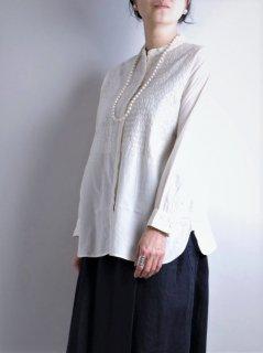 maison de soil(メゾンドソイル) バンドカラー 刺繍シャツ(長袖)