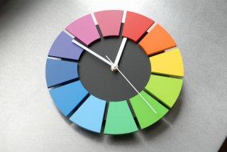 色相環壁時計(25センチ・艶消し・背面黒)