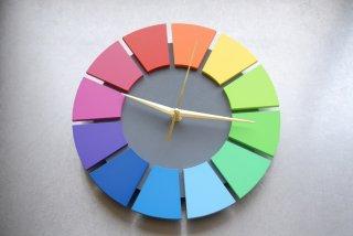 色相環壁時計(25センチ・艶消し・背面グレー)