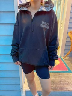<img class='new_mark_img1' src='https://img.shop-pro.jp/img/new/icons14.gif' style='border:none;display:inline;margin:0px;padding:0px;width:auto;' />Used 'Harley Davidson' Quarter Zip Hoodie