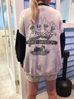 <img class='new_mark_img1' src='https://img.shop-pro.jp/img/new/icons14.gif' style='border:none;display:inline;margin:0px;padding:0px;width:auto;' />Used 'Harley Davidson' Full Zip Sweat Top