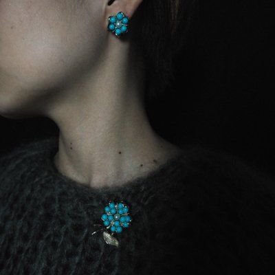 vintage 1960s Blue Flower Earrings and Brooch<img class='new_mark_img2' src='https://img.shop-pro.jp/img/new/icons8.gif' style='border:none;display:inline;margin:0px;padding:0px;width:auto;' />