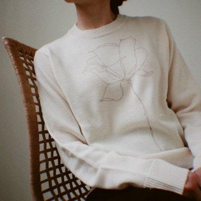 Davi Paris Flower knit<img class='new_mark_img2' src='https://img.shop-pro.jp/img/new/icons8.gif' style='border:none;display:inline;margin:0px;padding:0px;width:auto;' />