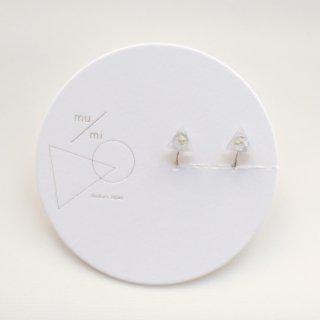 mu/mi | 浮遊△イヤリング (silver) | イヤリング