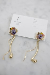 A by song of flowers   driedflower×metal flower (gold)   ピアス【アクセサリー ドライフラワー ハンドメイド ギフト】