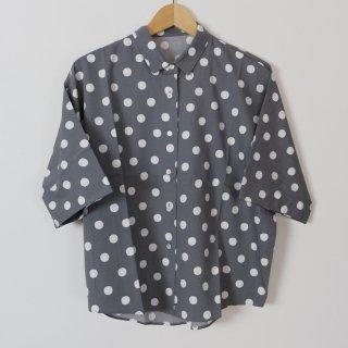 Cion | コットンレーヨンドットシャツ (グレー) | トップス【送料無料 半袖 コットン 水玉】