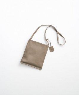 REN | ゴートベロア・サコッシュ (smoke grey) | バッグ【レン 無地 シンプル レザーバッグ】