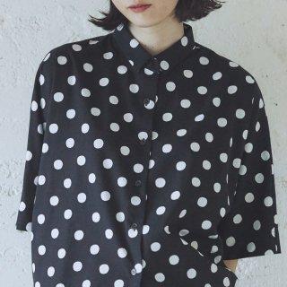Cion | コットンレーヨンドットシャツ (ブラック) | トップス【送料無料 半袖 コットン 水玉】