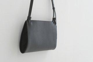 yuruku (ユルク) | Bifold Shoulder Bag (black)  | バッグ【国産レザー シンプル かわいい ショルダーバッグ】
