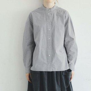MAGALI   オーガニックコットン・ストライプ・ バンドカラー・シャツ (grey)   トップス 送料無料 マガリ シンプル 長袖