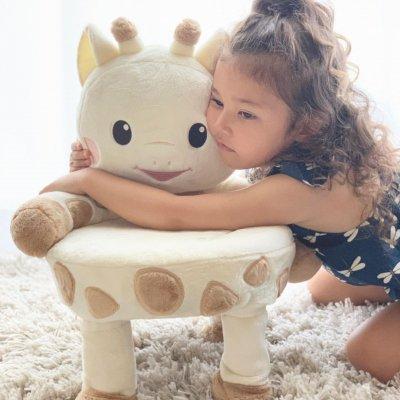 キリンのソフィー×Ribbon hakka kidsコラボチェア