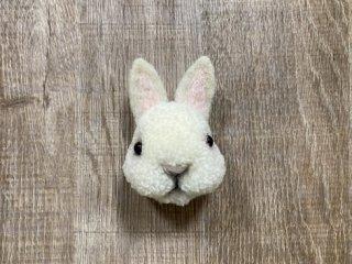 うさぎのブローチ たち耳ホワイト 0021