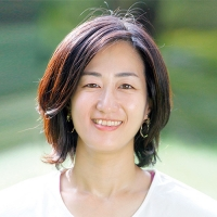 <b>日本ポジティブヘルス協会代表</b><br>秋山綾子