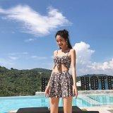 夏の海やプールで着たいカットアウトデザインのワンピース水着 花柄が可愛いレースアップのビキニ