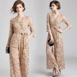 上品な花柄レースが美しいパンツドレス カシュクールデザインが可愛いオールインワンピース
