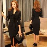 リボンタイが可愛い韓国ワンピース シンプルでスリムなブラックドレス