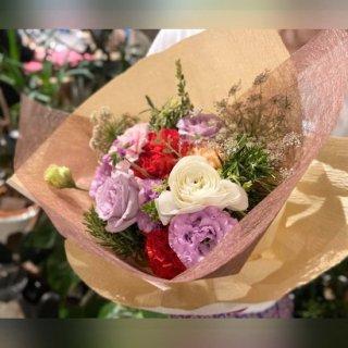 【遅れてごめんね!】【母の日】季節のキャンセルフラワー おまかせ花束 ※送料込 No:50
