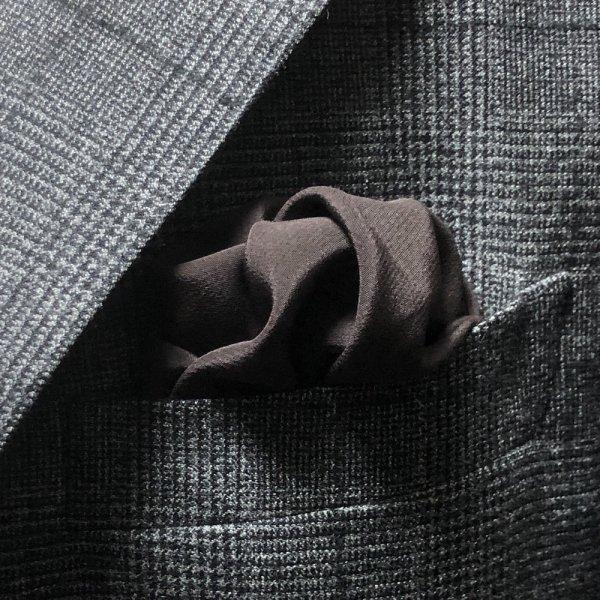 MUNGAI (ムンガイ) / ブラウン / スムースシルク / フォーマル ポケットチーフ