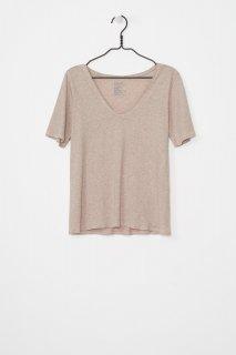 [Kowtow] ビルディングブロックVネックTシャツ オートミール