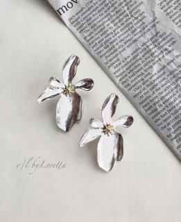 【20% OFF!!】Metal flower pierce