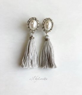 Oval pearl stitch × tassel pierce/earring(Ash Green)