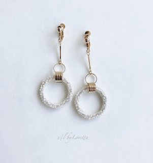 Stick crystal beads hoop pierce/earring(White × Crystal Mix)