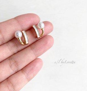Pearl color hoop pierce