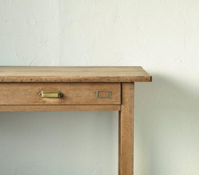 縦長なテーブル