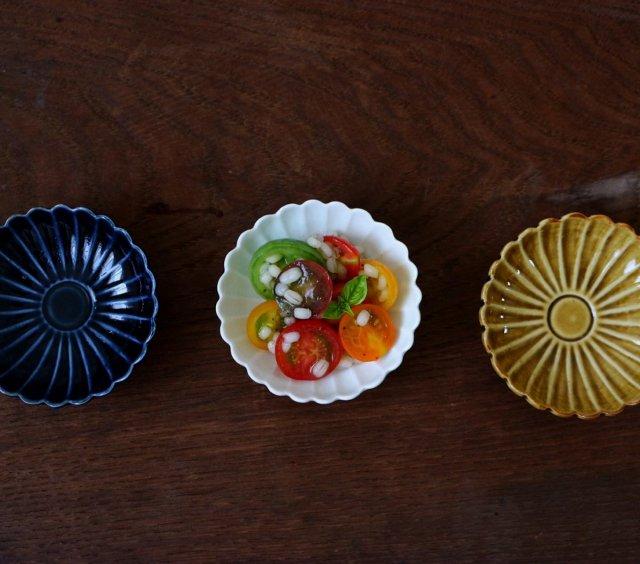 菊花豆皿(白磁・瑠璃・黄磁)