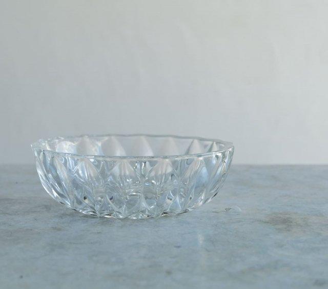 菊模様のガラス鉢