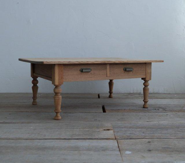 白木のコーヒーテーブル�