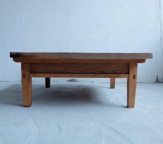 両引き出しのセンターテーブルの画像