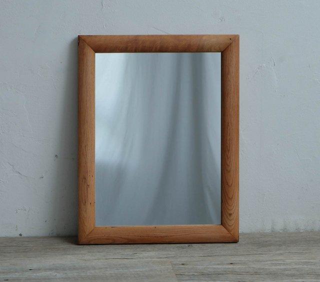ふっくらとした鏡