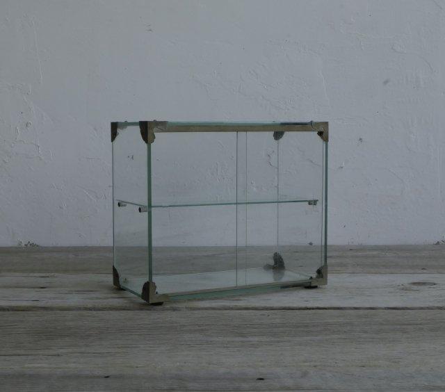 小さなガラスケース