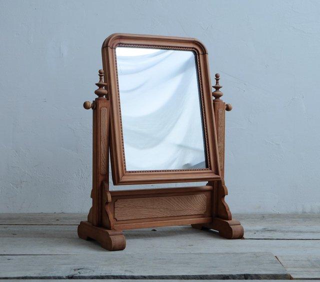 気品のある卓上鏡