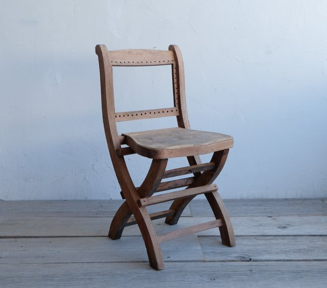 シックな折りたたみ椅子