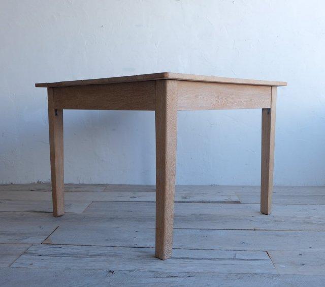 楢のダイニングテーブル