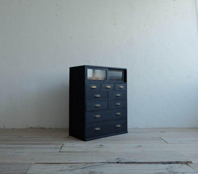 漆黒の引き出し棚