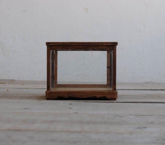 和飾りの卓上ショーケースの画像