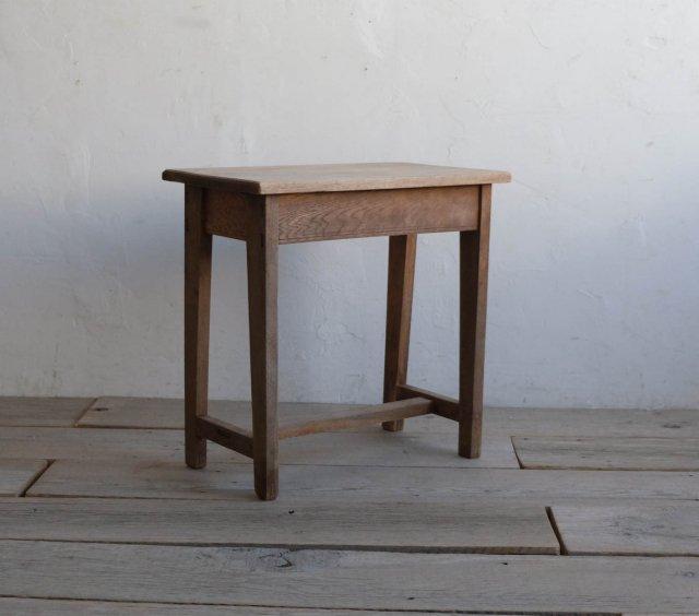 小粋なサイドテーブル
