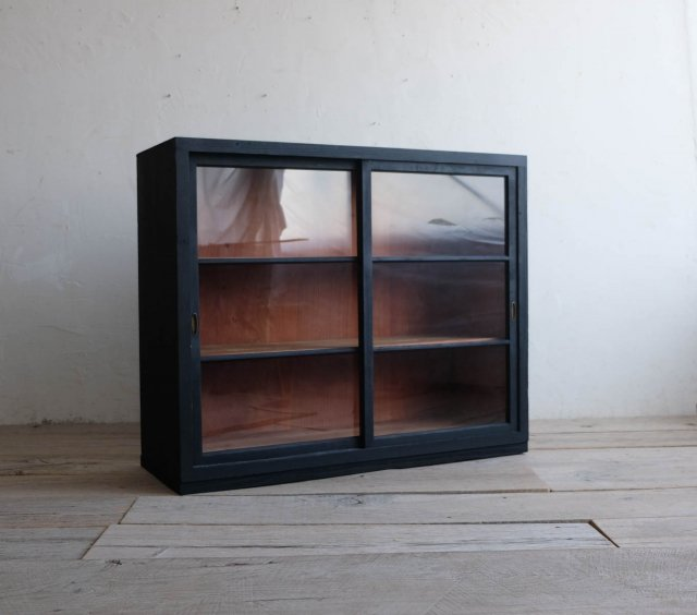 漆黒の飾り棚(Type:A)