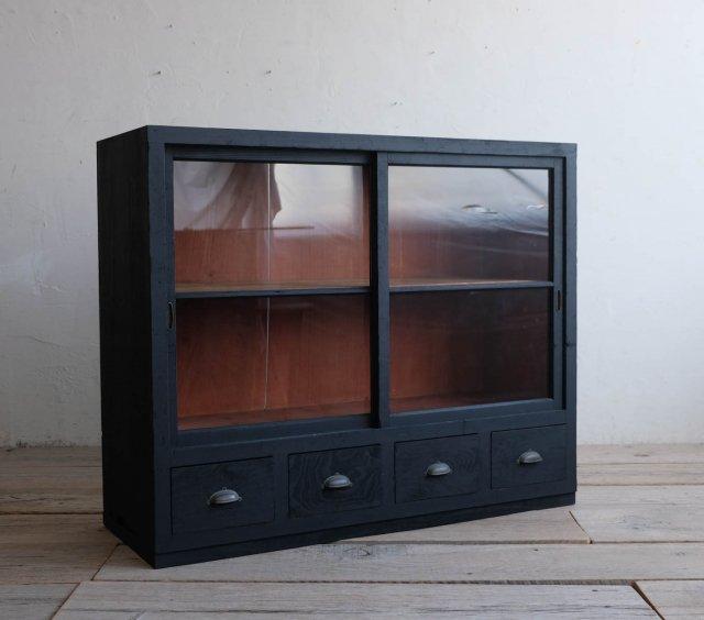 漆黒の飾り棚(Type:B)