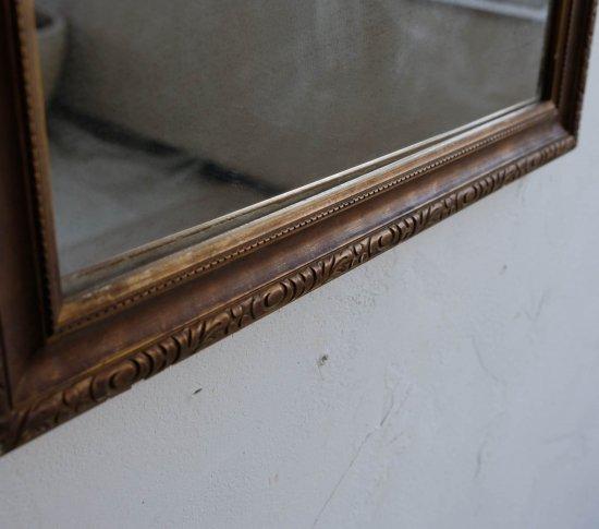 古雅なアンティークミラーの画像
