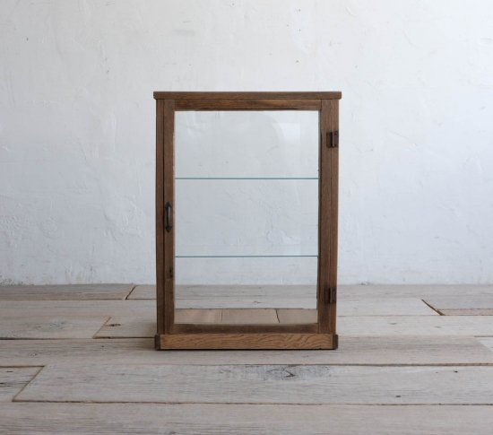 端正な卓上ガラスケースの画像