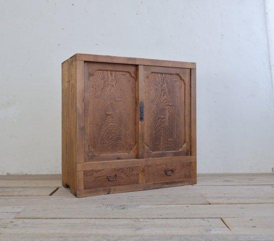 玉杢の収納棚の画像