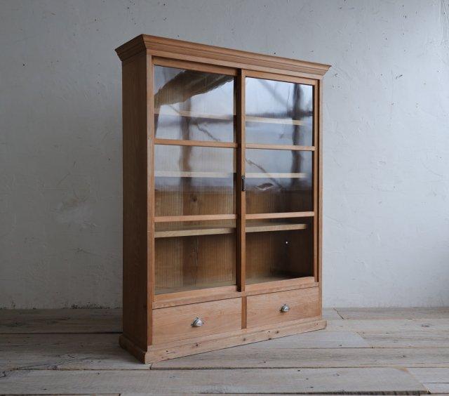清廉な檜の飾り棚