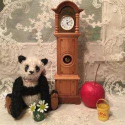 イギリス1980年代ドールハウス用ミニチュア柱時計(1/12サイズ)【 アンティーク1710-18 】